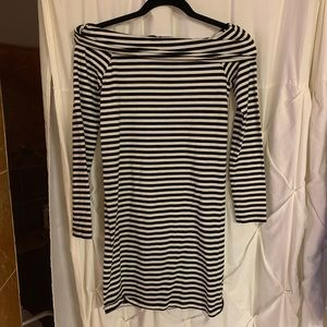 F21 off the shoulder size small dress